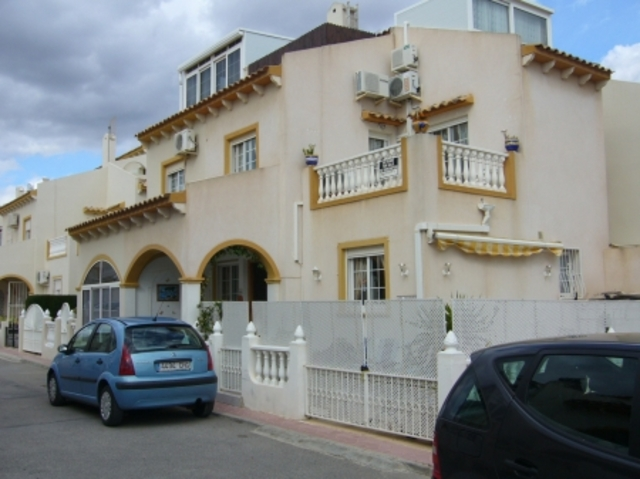 6910-quad_house-for-sale-in-playa-flamenca-1-large