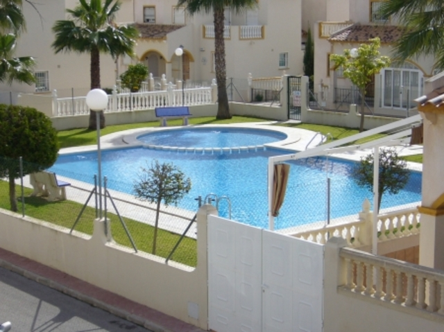 6910-quad_house-for-sale-in-playa-flamenca-3-large