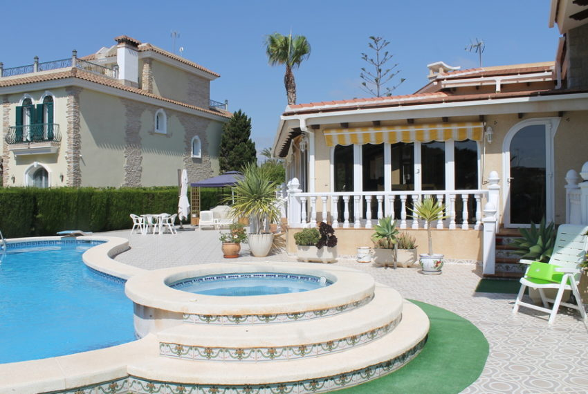 8786-villa-for-sale-in-cabo-roig-62263-large