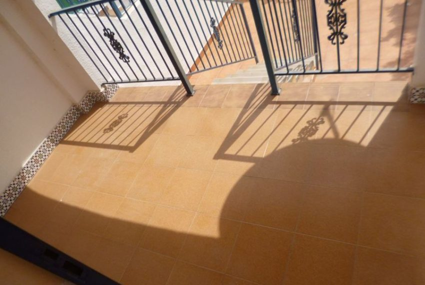 9005-apartment-for-sale-in-la-florida-64673-large