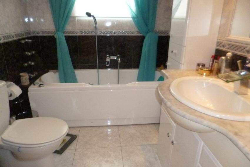 9046-villa-for-sale-in-villamartin-64923-large