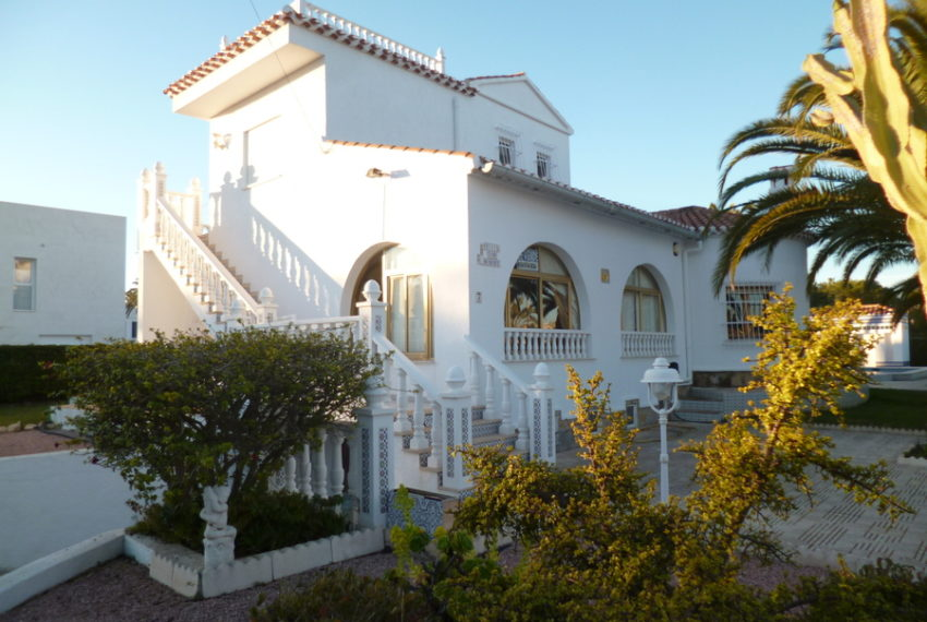 9353-villa-for-sale-in-cabo-roig-68296-large
