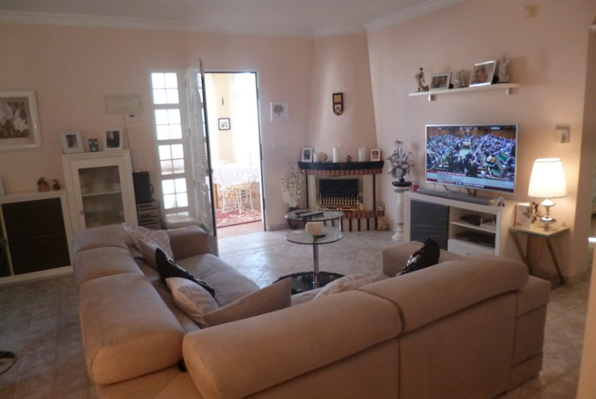 9378-villa-for-sale-in-san-miguel-68649-large