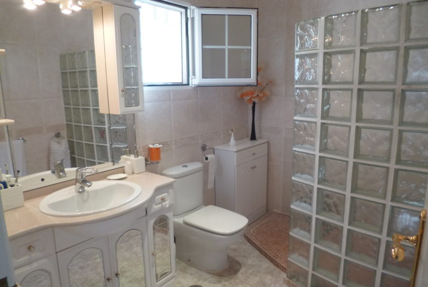 9378-villa-for-sale-in-san-miguel-68654-large