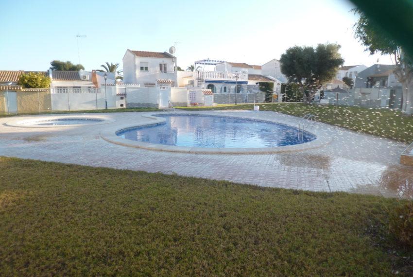 9414-bungalow-for-sale-in-la-florida-69210-large