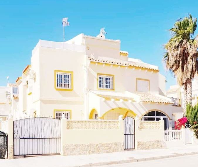 9777-quad_house-for-sale-in-playa-flamenca-75279-large