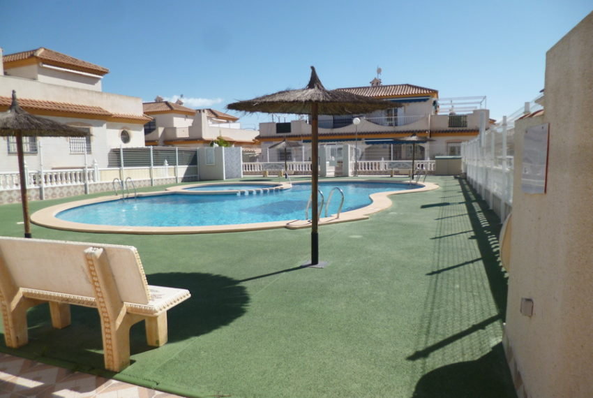 9818-bungalow-for-sale-in-playa-flamenca-76020-large