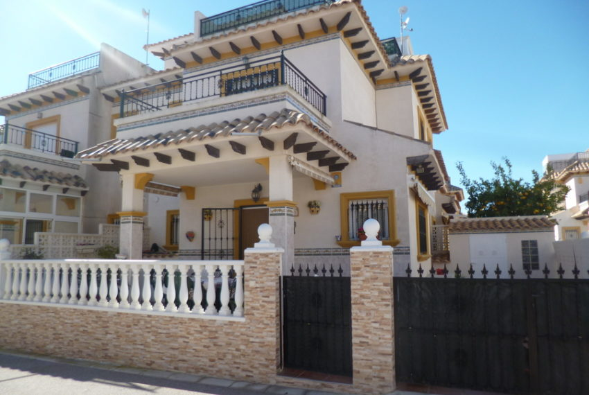 9819-quad_house-for-sale-in-playa-flamenca-75985-large