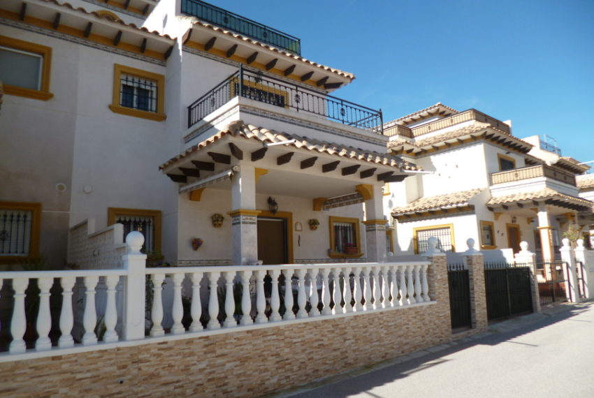 9819-quad_house-for-sale-in-playa-flamenca-75986-large