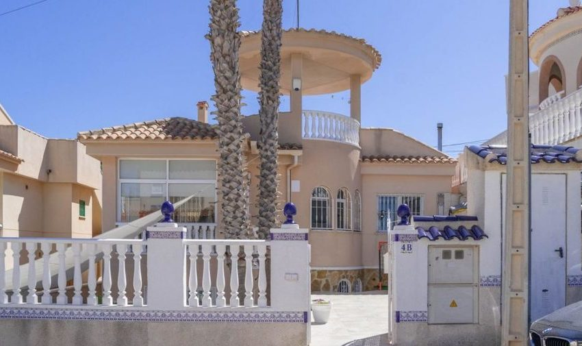 9841-villa-for-sale-in-villamartin-76383-large