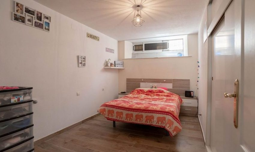 9841-villa-for-sale-in-villamartin-76389-large