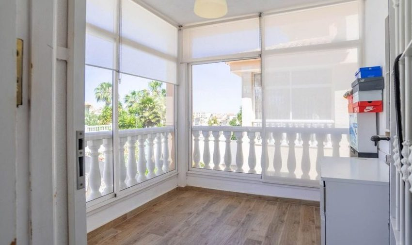9841-villa-for-sale-in-villamartin-76396-large