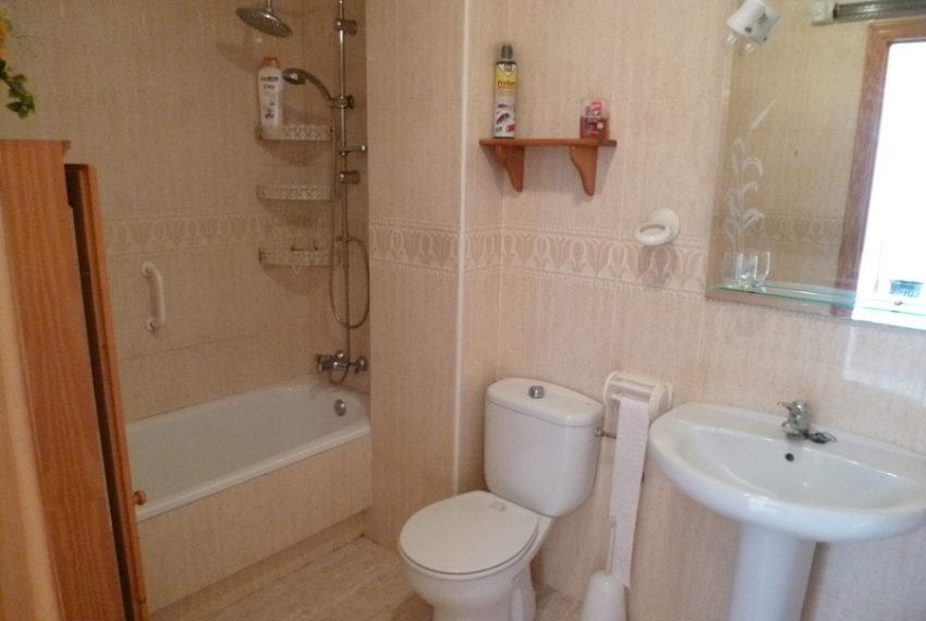 9829-quad_house-for-sale-in-la-florida-76197-large
