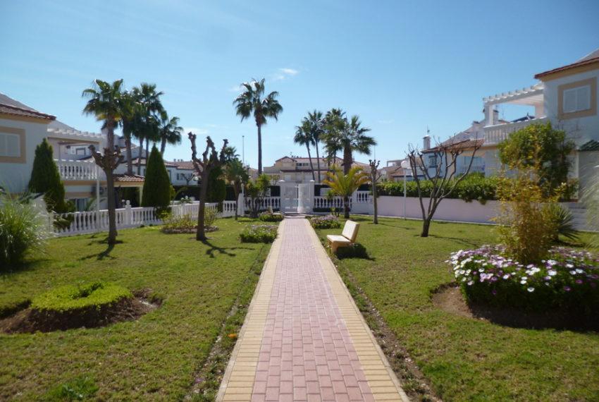 9829-quad_house-for-sale-in-la-florida-76203-large