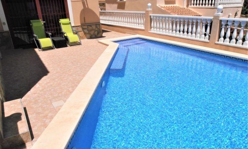 0f87b1ca-bcd3869-piscina