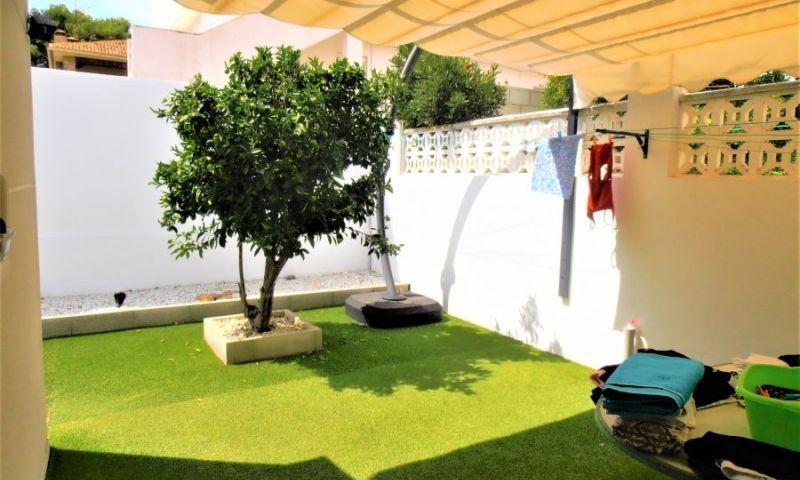 4054f004-bcd3885-patio-tra
