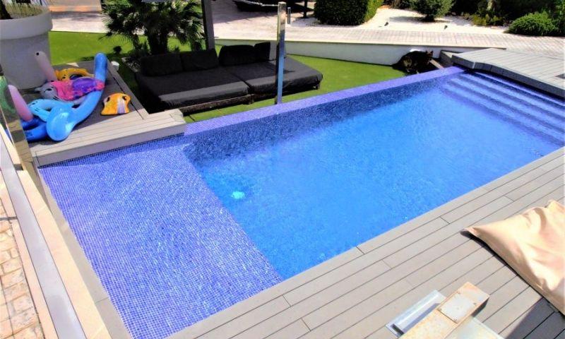 45cbeae3-bcd3885-piscina