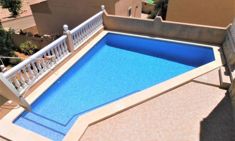 8925febc-bcd3868-piscina