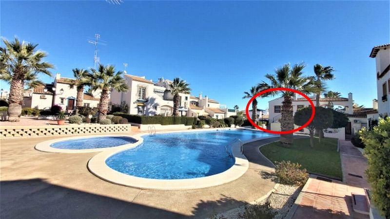 aed289ce-bcd4259-fachada-piscina