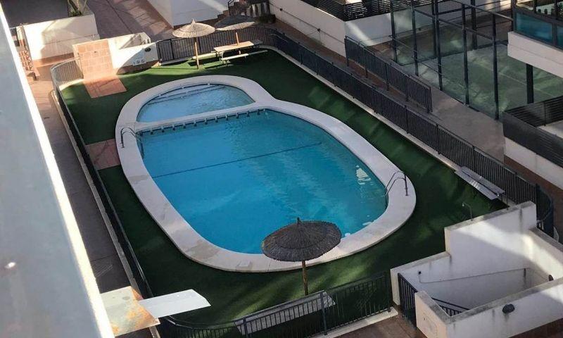 468c2092-piscina