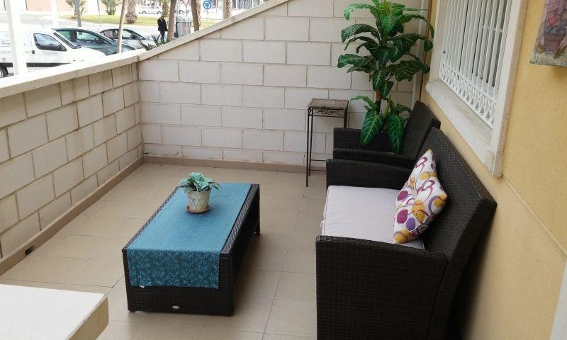 6603e715-terraza-entrada
