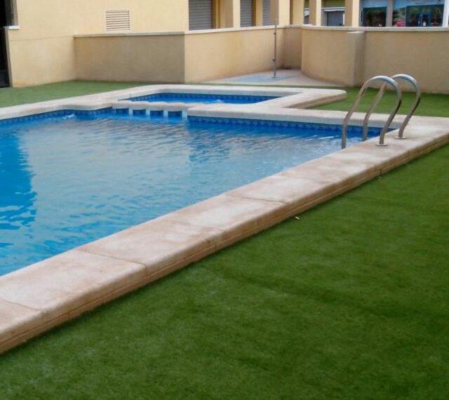 f8d3c813-piscina