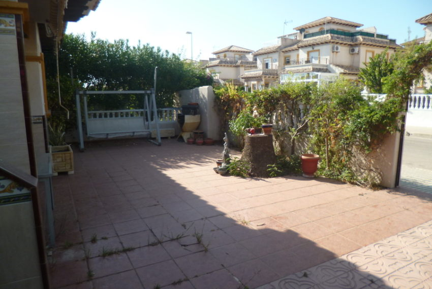 9993-bungalow-for-sale-in-playa-flamenca-79069-large